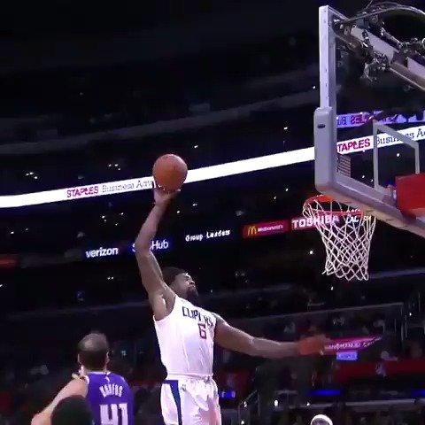 DeAndre to Lou Will, two times! #NBAPreseason https://t.co/Gn8S1ZWxya