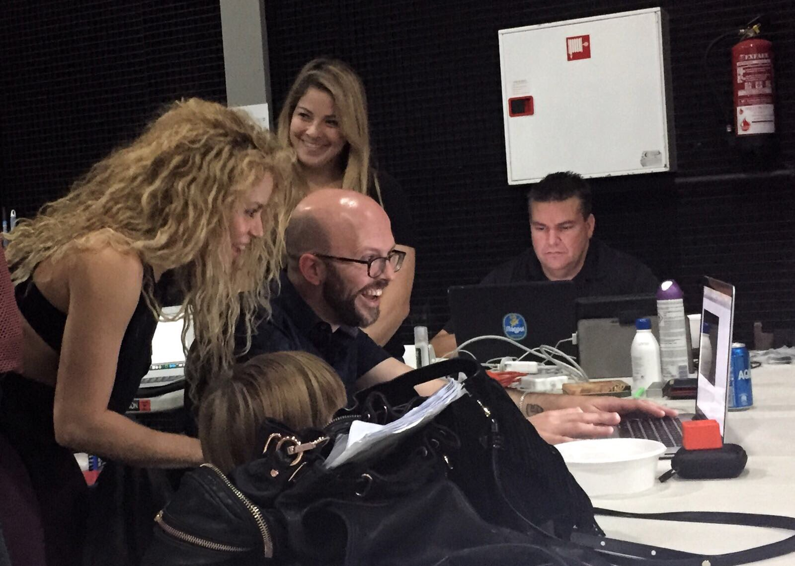 Consulting my son Sasha about my tour ideas! Shak https://t.co/BoVcSO1w7s