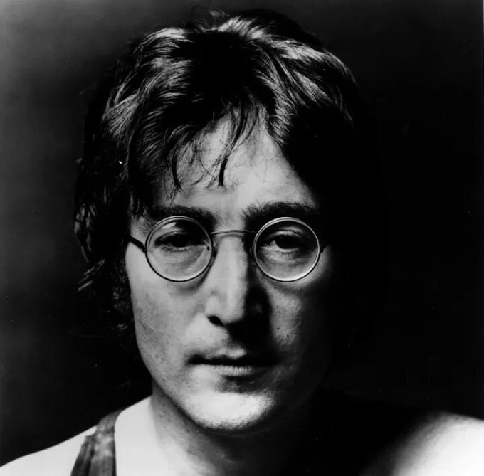 Happy Birthday in Heaven ! Singer John Lennon, Founding member of .