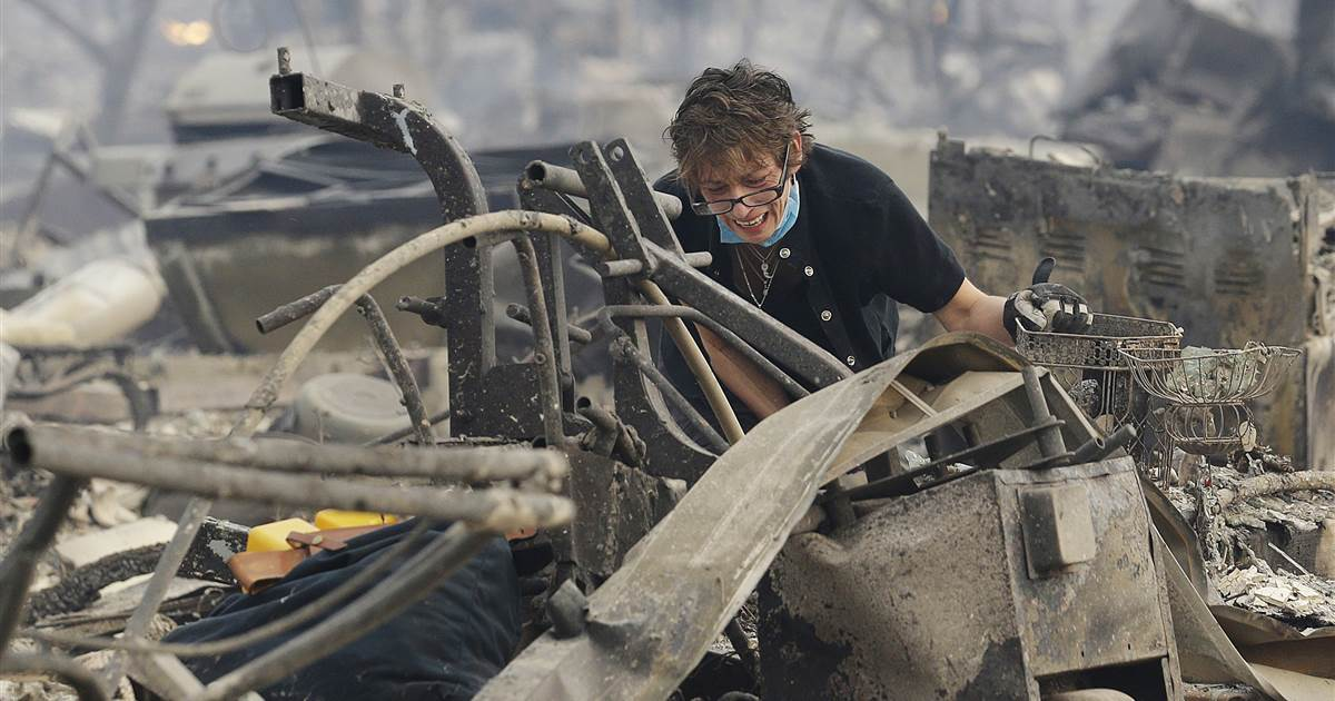Officials get more than 100 missing persons calls as blazes sweep Northern California