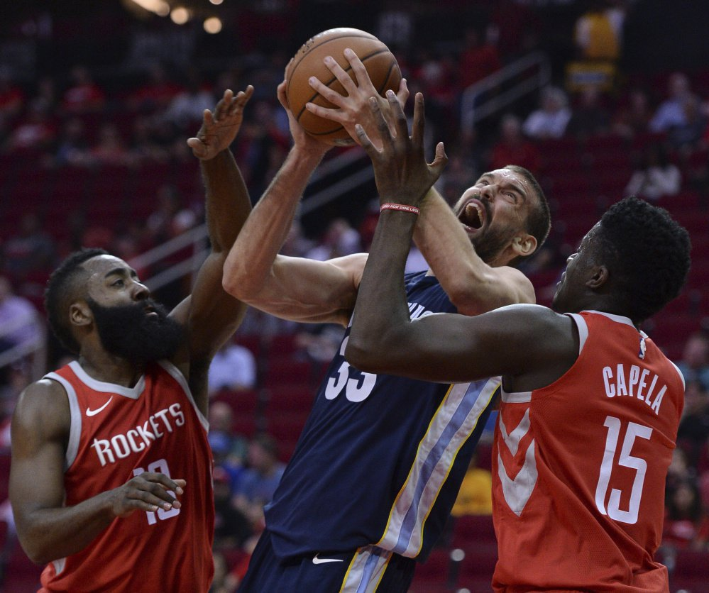 NBA roundup: Marc Gasol helps Grizzlies down Rockets as Curry and GSW wins on theroad https://t.co/nqIN2O2SxO https://t.co/wb1RuSnkrU