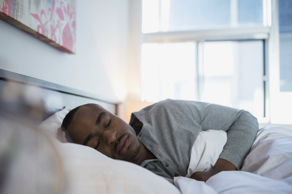 16 ways to get a better night's sleep — without popping any pills via @NBCNewsBETTER