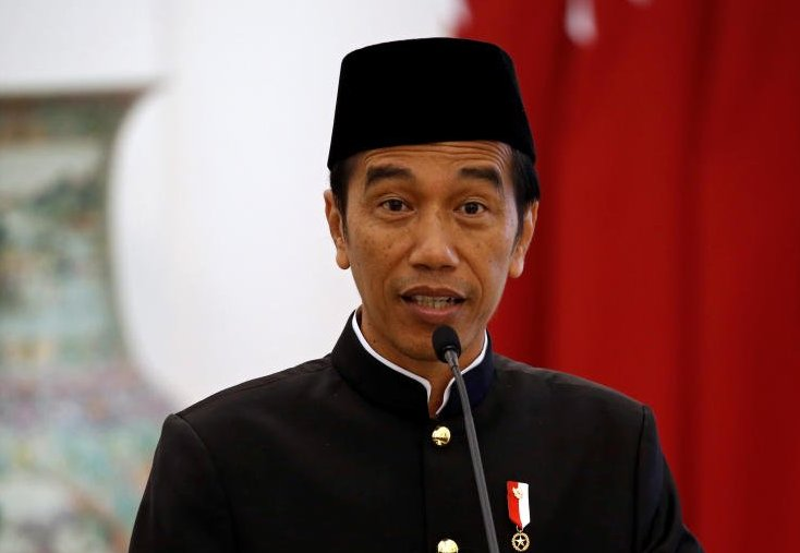 As parties scramble, Indonesian President Jokowi won't commit to re-election race