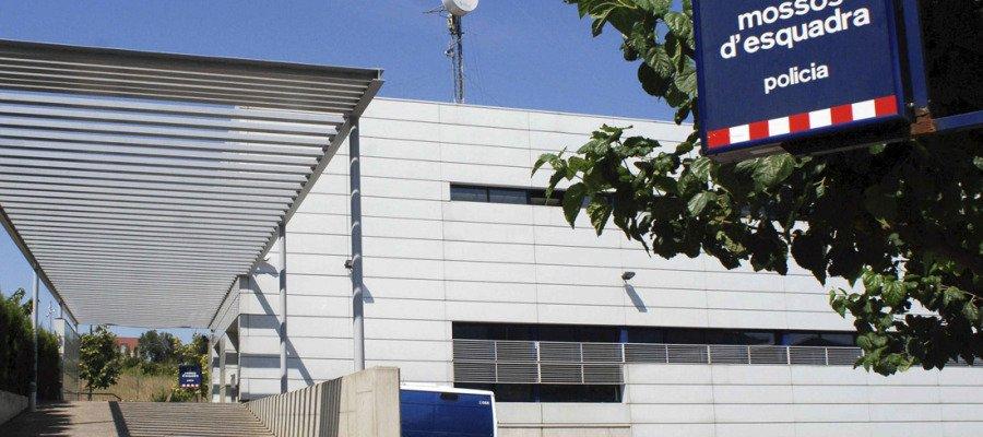 #ÚLTIMAHORA La Guardia Civil entra en la comisaría de los Mossos de Lleida por el 1-O