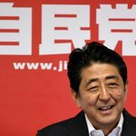 Japon: Large victoire de la coalition de Shinzo Abe aux législatives