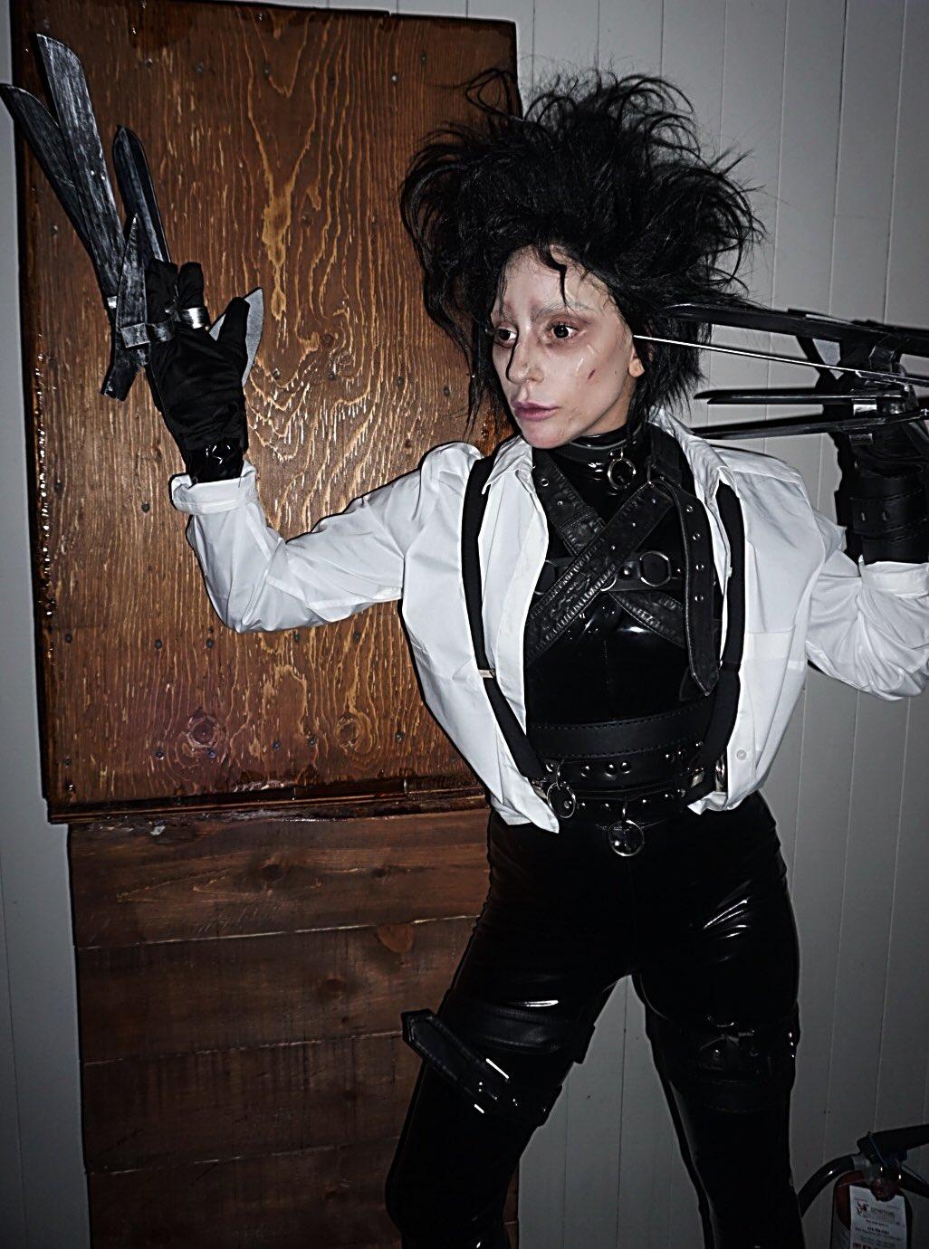 #Halloween #HAUS Edward Scissorhands ��✂️ https://t.co/FvHHVenDYd
