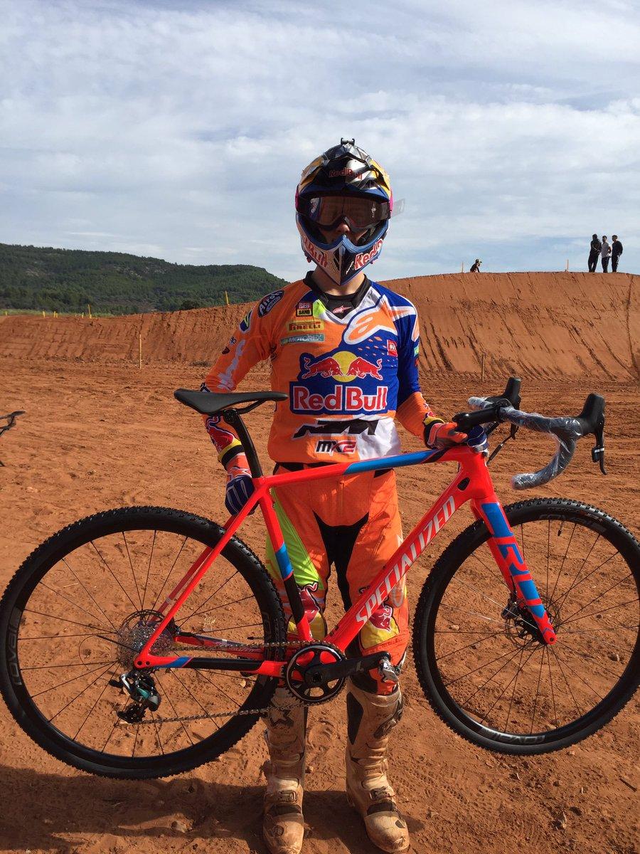 ¿Os gusta mi nuevo juguete para la pretemporada?-Do you like my new toy? @Specialized_ESP #crux #ciclocross https://t.co/NpYU5d1ugc