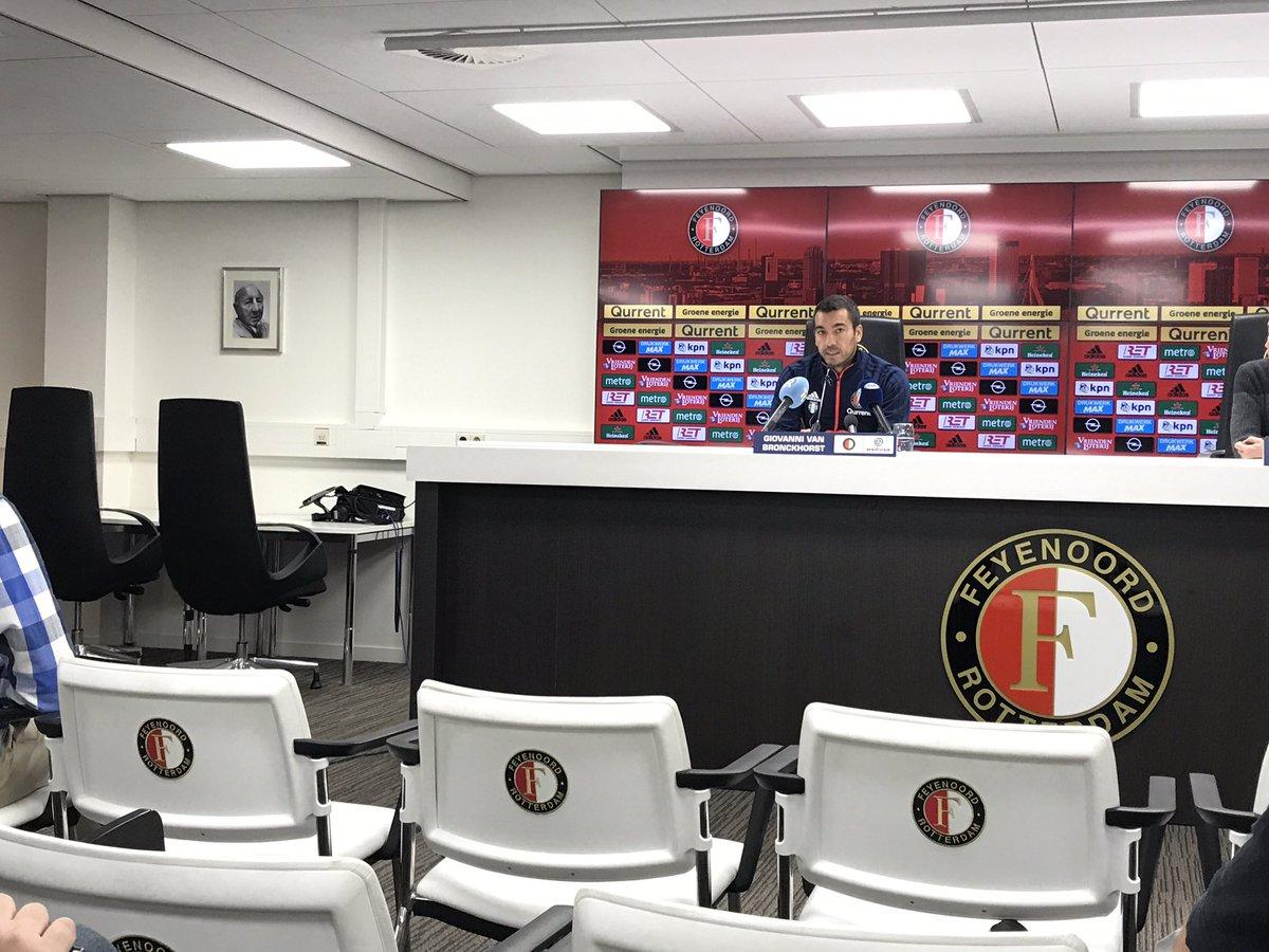 test Twitter Media - De kans dat Renato Tapia morgen rust krijgt is groot, zegt Van Bronckhorst. Hij keert vanavond terug van de interlands met Peru. 'We nemen geen risico met hem.'  #feyvvv https://t.co/vt1ZDVPb0s