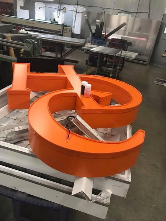 test Twitter Media - The countdown has begun for the opening of #HDCRoslyn. A big Thank You to @plumbsigns for our amazing custom signage! https://t.co/I5RDtfx3S4