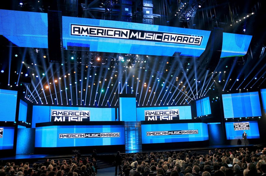In honor of this Sunday, we compiled the 20 best #AMAs performances ever