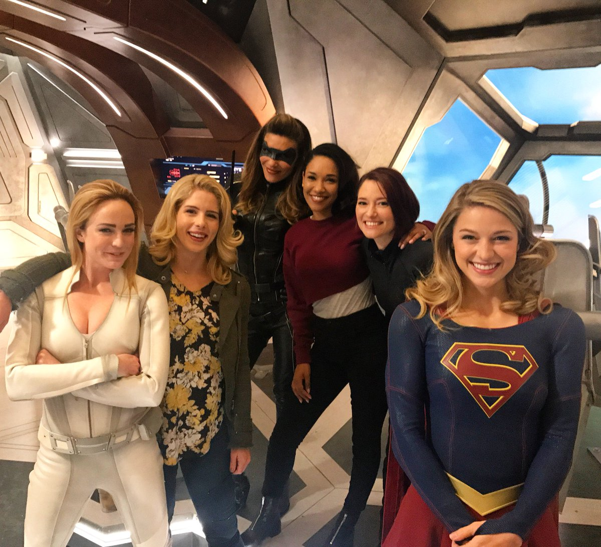 RT @caitylotz: Sup fresh🙌🤩 crossovers are coming https://t.co/lhlSv4Qly8