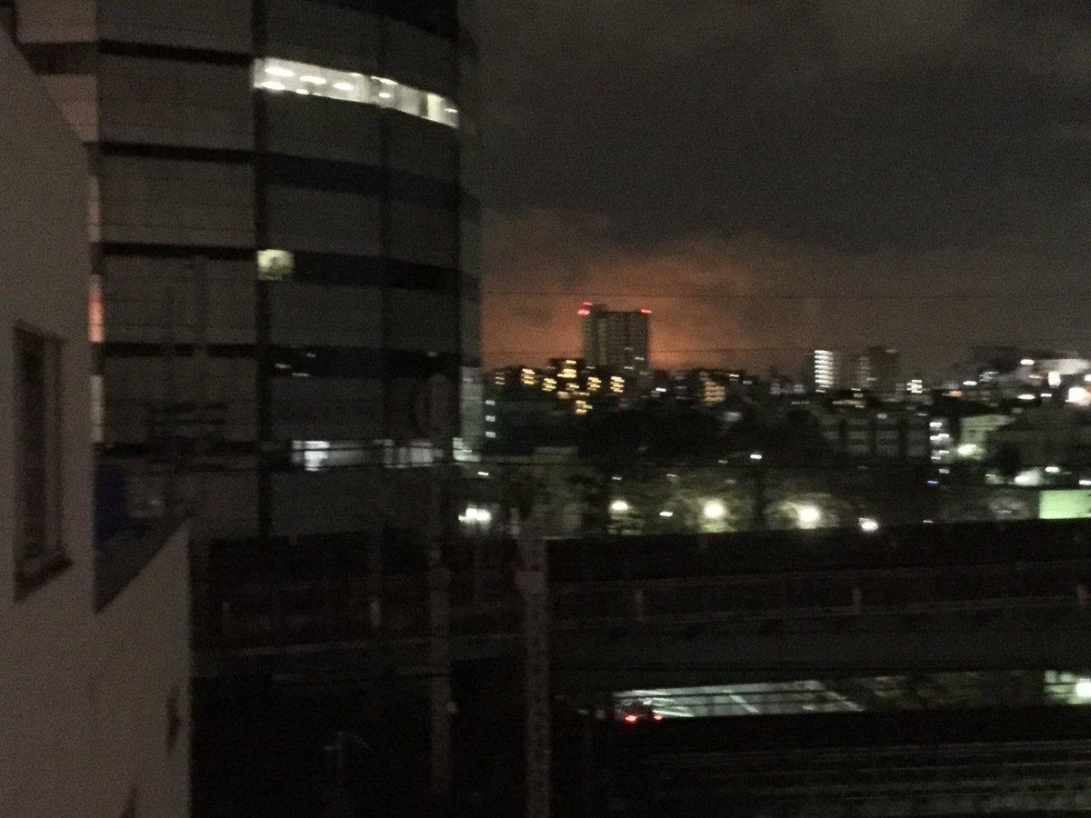 東京都大田区羽田空港から見える「火事で燃えているような空」がヤバいと話題wwwww現地Twitter画像がこちら