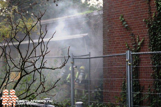 Binnenbrand aan de Hendrik van Naaldwijkstraat https://t.co/4BLXaPh7HJ https://t.co/PFtdlw6zNJ