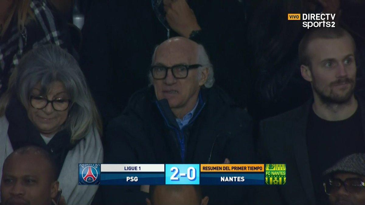 ����⚽️ Carlos #Bianchi en el Parc des Princes observando la victoria 4-1 del PSG ante Nantes. https://t.co/JPLTZFR55c