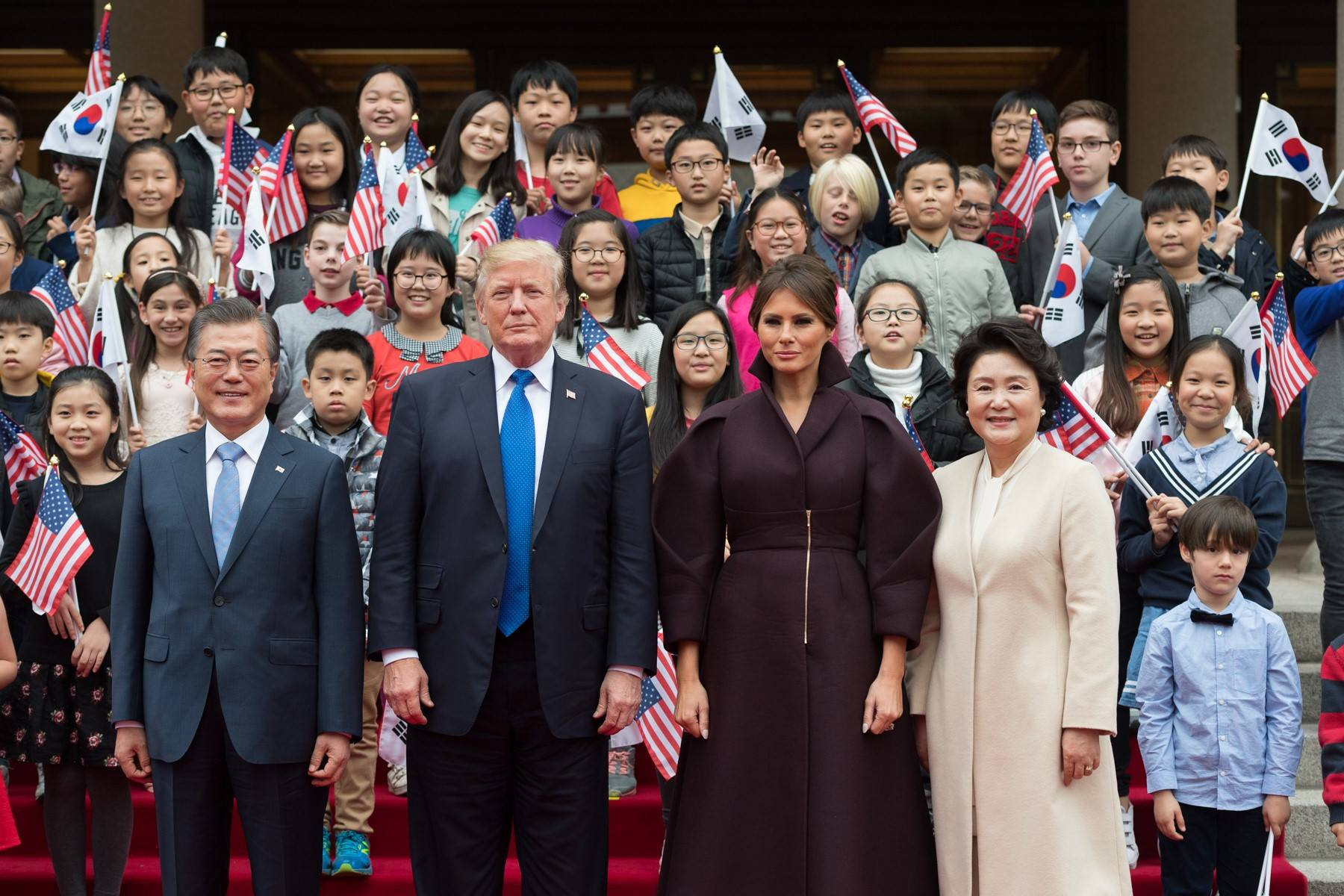 #POTUSinAsia in Photos: https://t.co/2EdlNGZPYw https://t.co/kjWSkFXebs