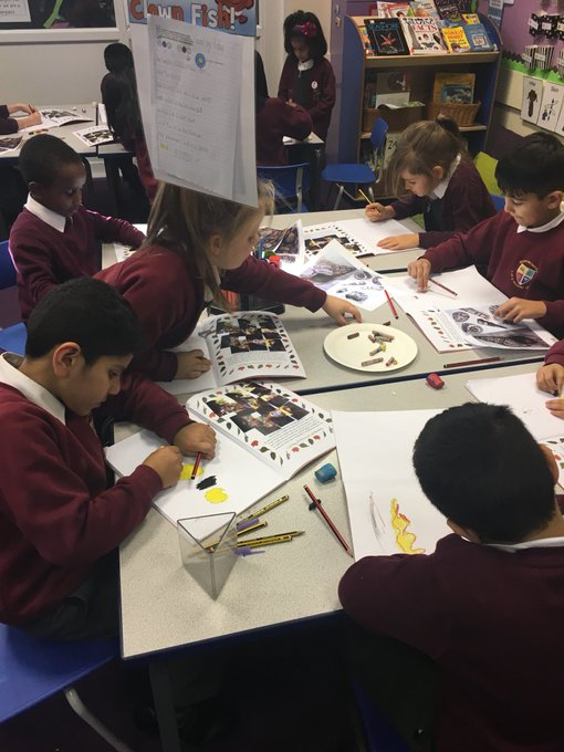 L4 are enjoying sketching shells#Blackpooltopic https://t.co/Ux7G8ant1R