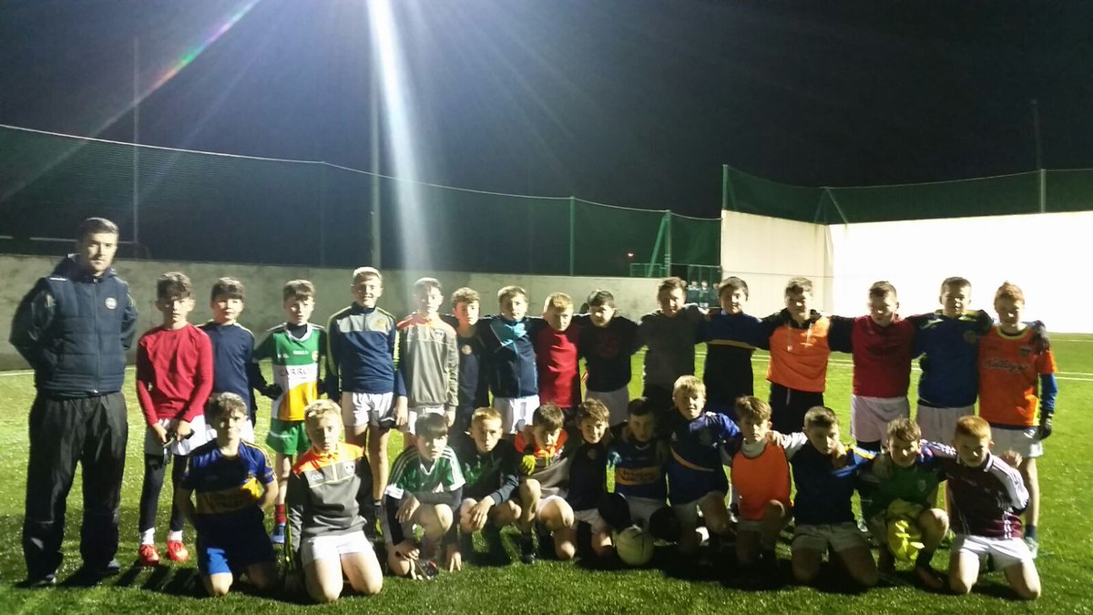 test Twitter Media - Great football session with @strynaghsfoot  u12s tonight in Banagher https://t.co/hhAw4w3TSk