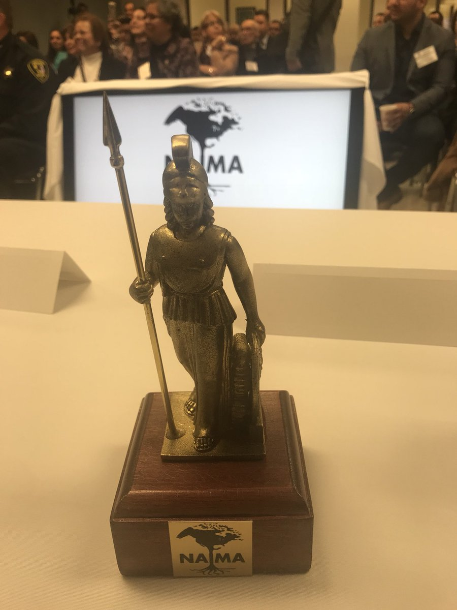 test Twitter Media - Honored to be recognized by NAIMA for my work leading to the passage of the IL Trust Act!  It was high honor to be presented an award with the Roman Goddess Minerva as the symbol for being seen as a champion of the people!  #ILTrustAct #WelcomingIL https://t.co/h3InLhYnJe
