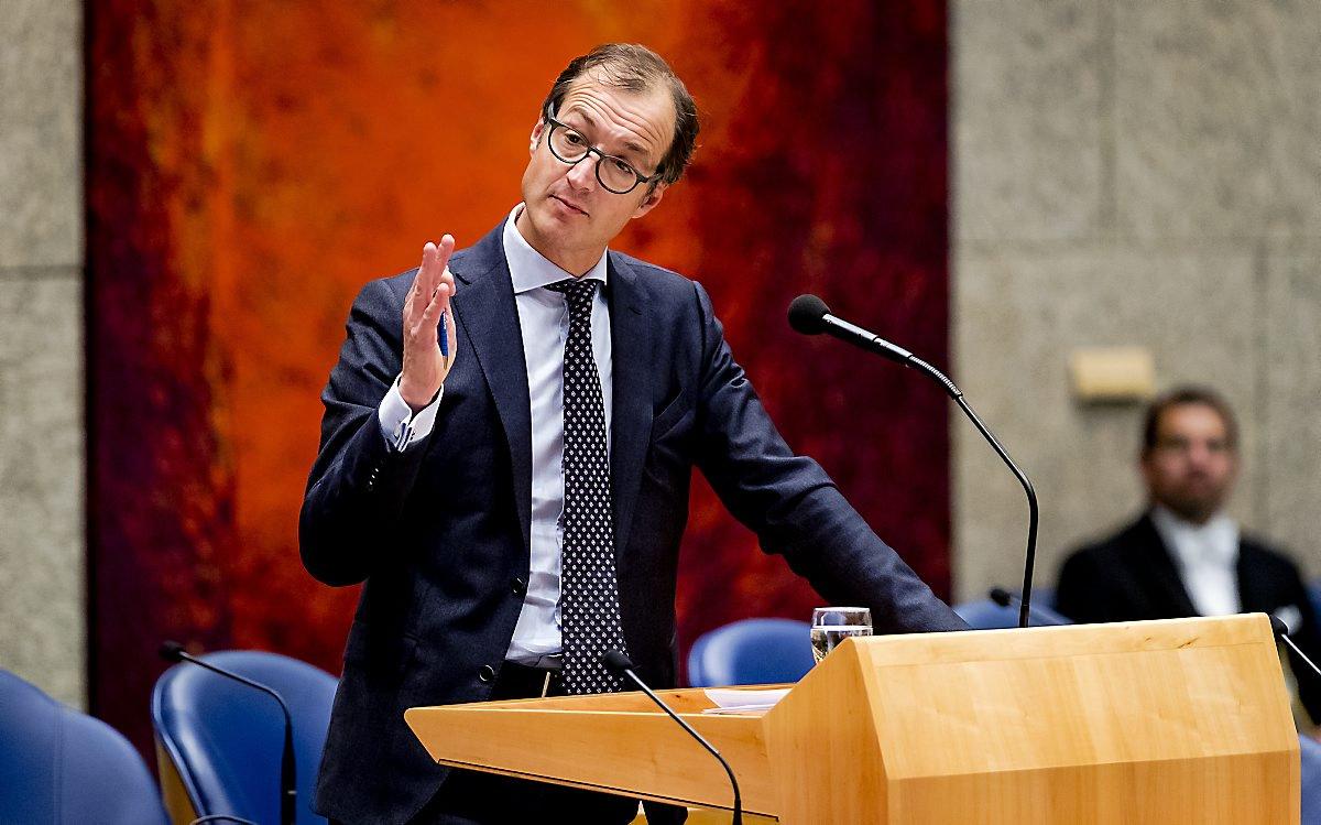 Wiebes wil snel afspraken maken in Groningen