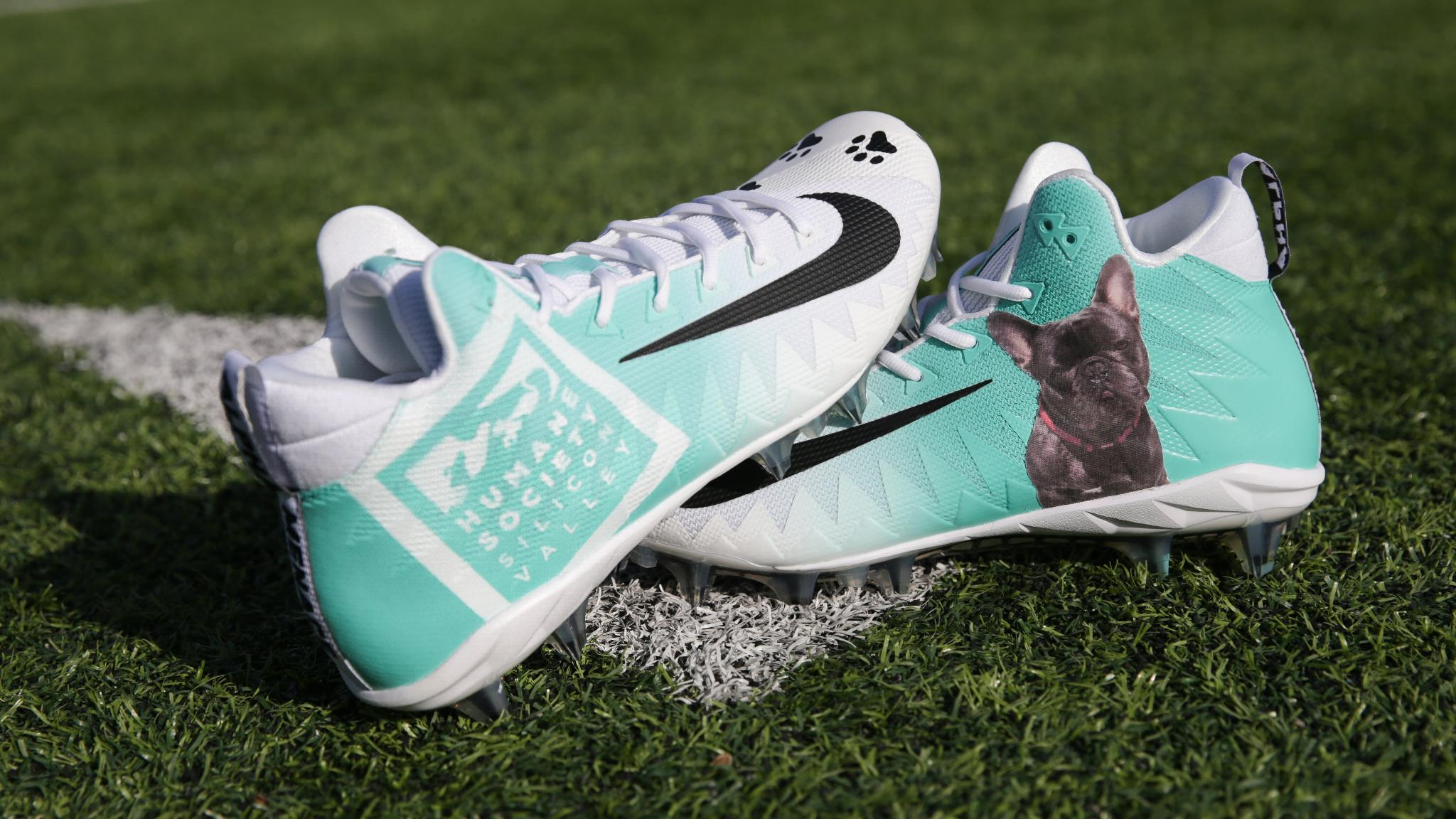 Nike Air Max ��  Bid on @elguapo's cleats benefitting @hssv! https://t.co/g0MtpEh4Rf #MyCauseMyCleats https://t.co/2dbMoTv3fc