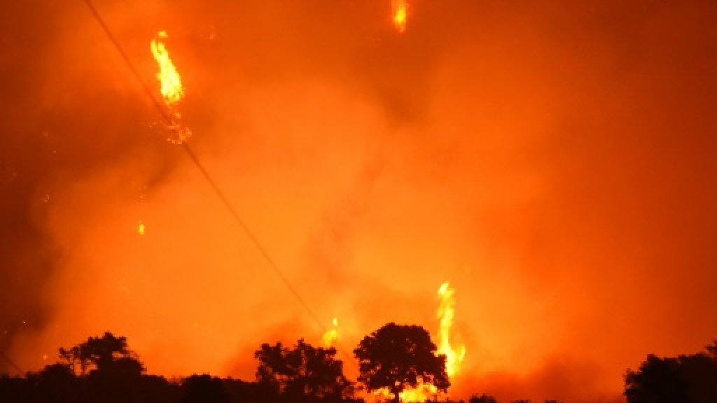 California wildfires a warning for other regions: Gov. Brown
