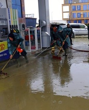 Torrential rain, floods paralyse Albania; 1 person dead