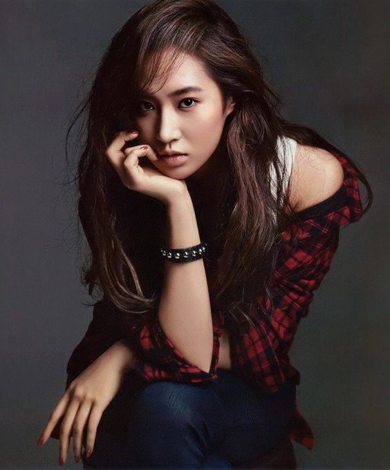 Happy Bday to one of the coolest, sexiest and dorkiest  Kwon Yuri! ^_^