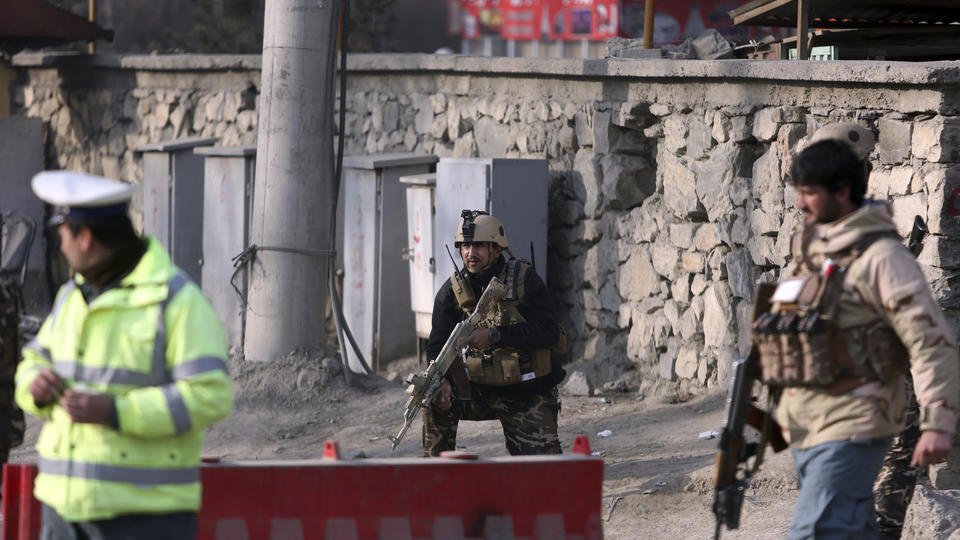 Suicide bomber kills 6 in Kabul