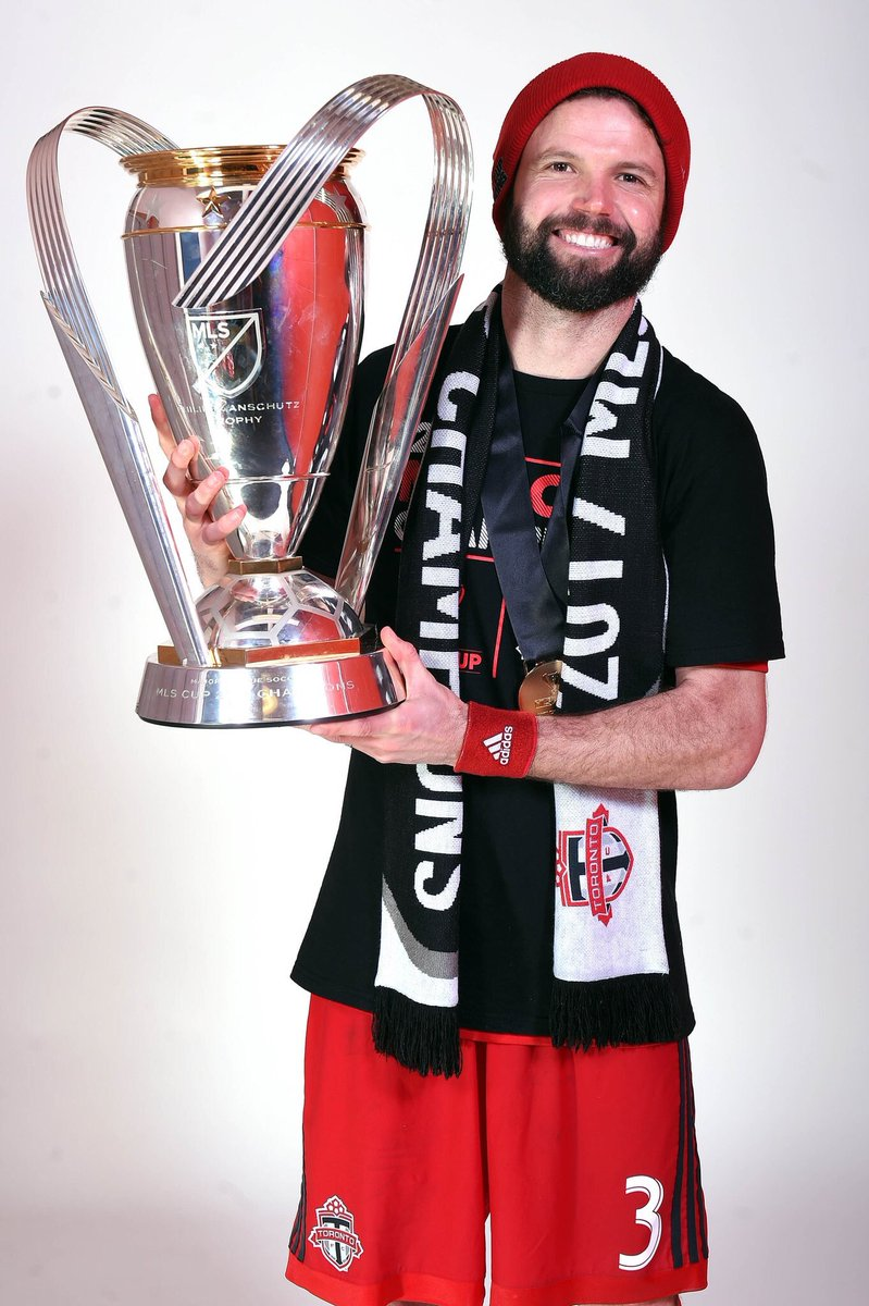 @torontofc and fans:  These past 2 years have been a dream for me and my family.  And so....  we're gonna keep dreaming and head back to BMO in 2018.  Thanks to everyone who has supported us in this adventure, let's keep it rollin'... 🇨🇦🏆❤️ https://t.co/PBYCxCoiqJ