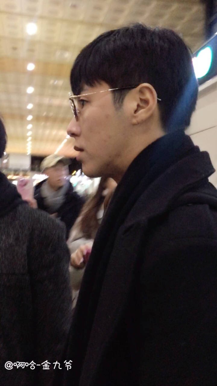 171217 TVXQ at Gimpo airport f: 啊哈-金九爷 https://t.co/XVJAicBClI