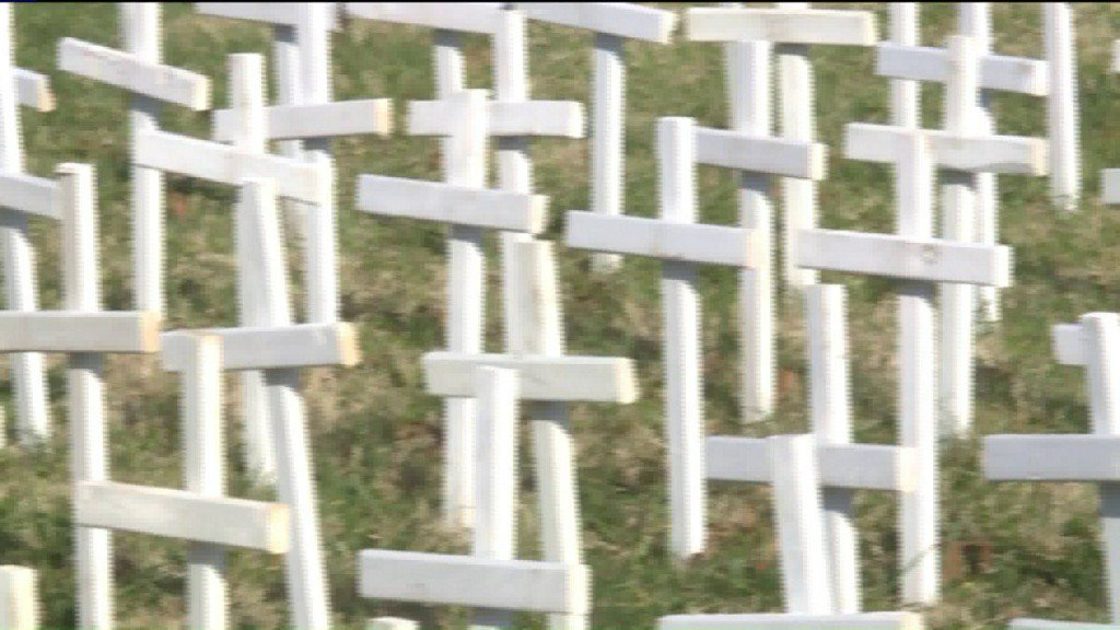 Crosses count 199 St. Louis murders in 2017