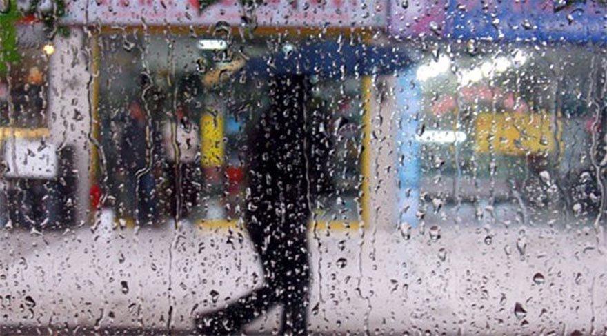 AKOM uyarmıştı! Sağanak yağış İstanbul'da başladı