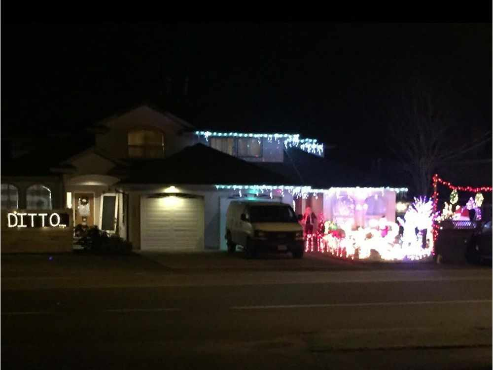 'Ditto': What happens when your neighbour really, really likes Christmas lights
