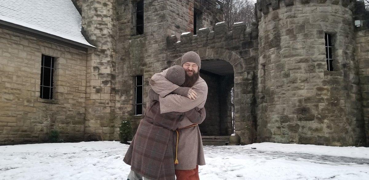 @RAYMONDxROWE @CreggSimons96 @WWECorino Here's me hugging @RAYMONDxROWE https://t.co/ZbCbAgk2sB