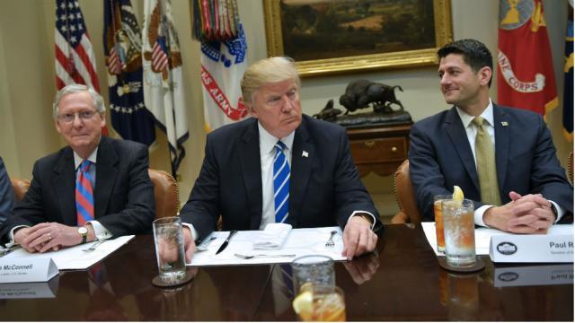 GOP senators break with Trump, back bipartisan DACA deal https://t.co/PG7p9Nyqmu https://t.co/SOmxkW5pll