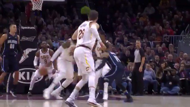 #LeBronJames goes behind his back and through the opening to find Dwyane Wade!  #AllForOne https://t.co/3A6bS7jKkL
