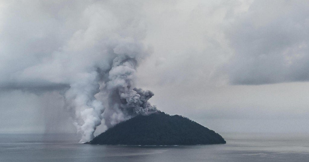 Scientist says volcano could erupt in Papua New Guinea soon