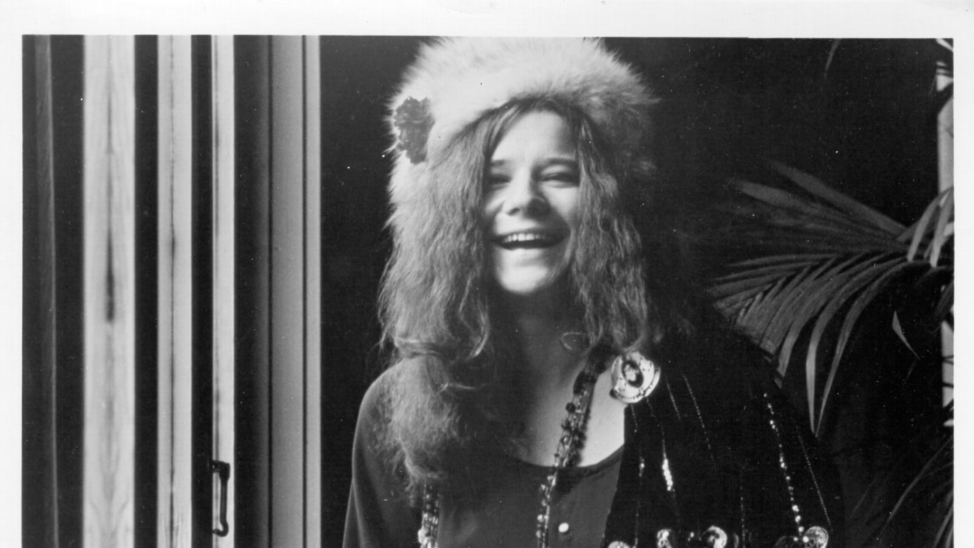 Janis Joplin was born 75 years ago today. Look back at our 1970 cover story on the singer https://t.co/cY54kSG9RQ https://t.co/wxx0wCGw2f