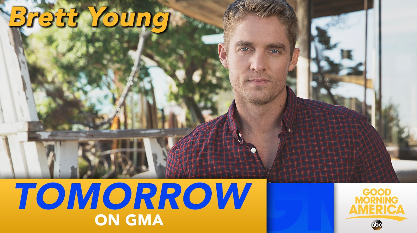 TOMORROW: Country star @BrettYoungMusic performs LIVE in Times Square! https://t.co/njxxQLcx2i