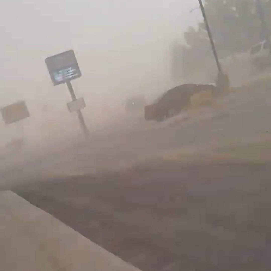 Viral video shows strength of wind in west Texas https://t.co/pBGOWvhgaW