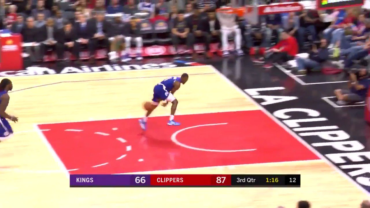 Jawun Evans gets creative on the pass!  #ItTakesEverything https://t.co/WPm3TZ4ucc