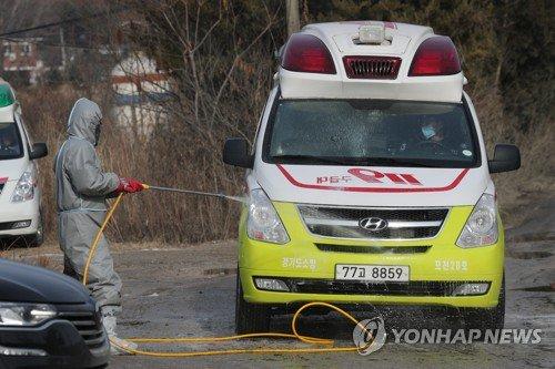 (LEAD) Poultry farm near Seoul cleared of avian influenza