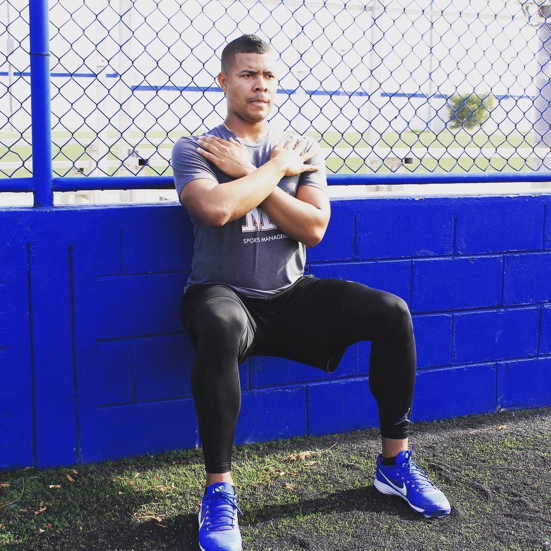 .@jose_quintana24 isn't taking it easy back home in Colombia. #NoOffseason 💪 https://t.co/KWlJbZEd2V