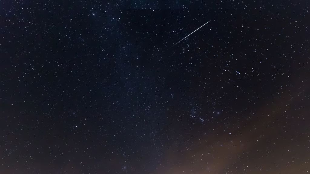 Meteor flashes across Michigan sky​, causes 2.0 magnitude earthquake