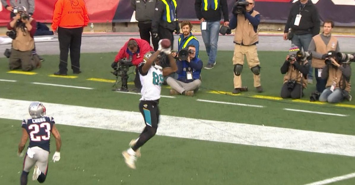 The Jags strike back!  Blake Bortles hits Marcedes Lewis to give Jacksonville a 7-3 lead. https://t.co/mZBYiHdMFI