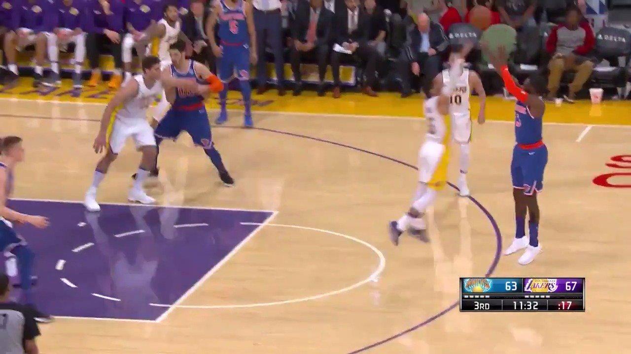 Tim Hardaway Jr with the four point play on #NBALeaguePass!  #Knicks https://t.co/AXngT2nAc9