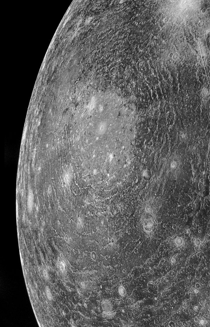 Valhalla Crater on Callisto in March 1979, photographed by Voyager 1 - https://t.co/xmzbs8Pb7h https://t.co/HSjmWghC04