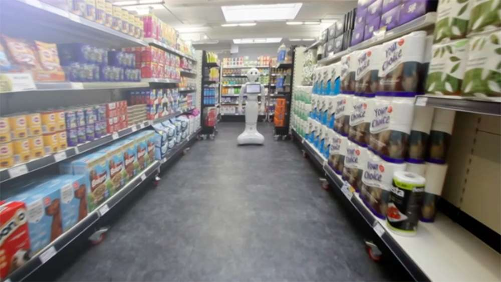 Store hires robot to help out  robot