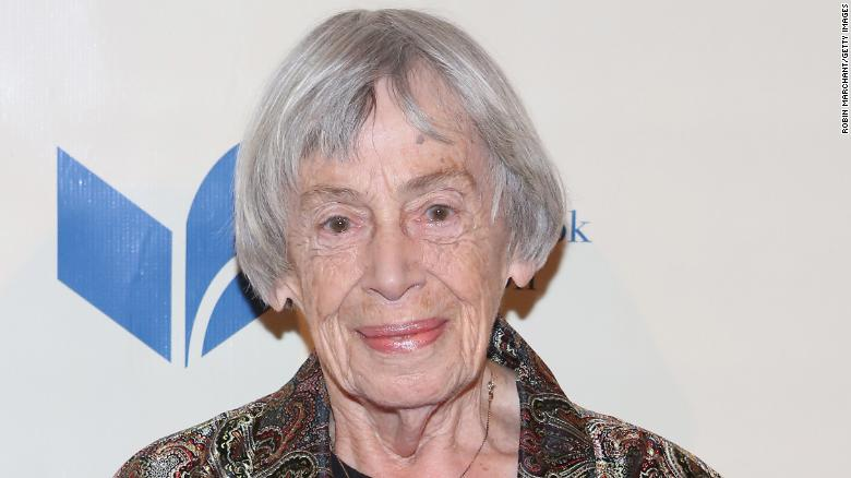 """Fantasy novelist Ursula K. Le Guin, who won Hugo awards for such titles as """"The Left Hand of Darkness"""" and """"The Dispossessed,"""" has died at age 88 https://t.co/F2sHvoZ8zM https://t.co/LSJDZO4q6U"""