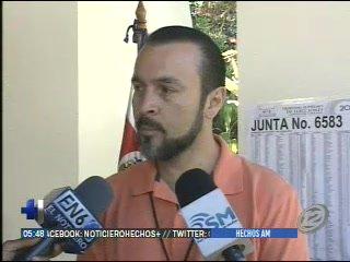 Costarricenses votaron en la embajada en San Salvador